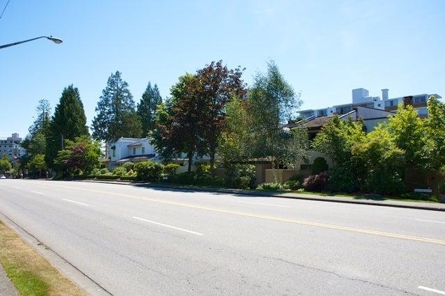 n/a   --   2050 - 2090 MARINE DR - West Vancouver/Ambleside #3