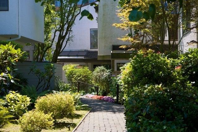 n/a   --   2050 - 2090 MARINE DR - West Vancouver/Ambleside #7