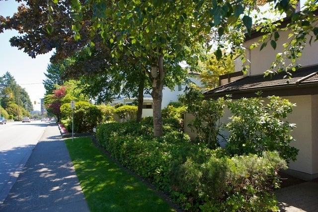 n/a   --   2050 - 2090 MARINE DR - West Vancouver/Ambleside #11