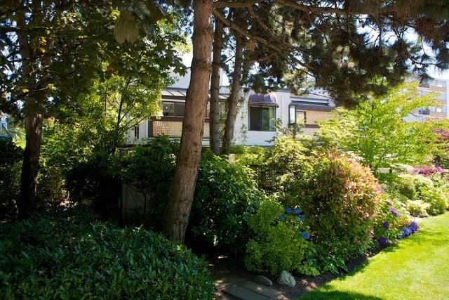 n/a   --   2050 - 2090 MARINE DR - West Vancouver/Ambleside #17