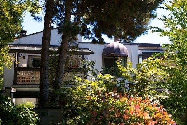 n/a   --   2050 - 2090 MARINE DR - West Vancouver/Ambleside #18
