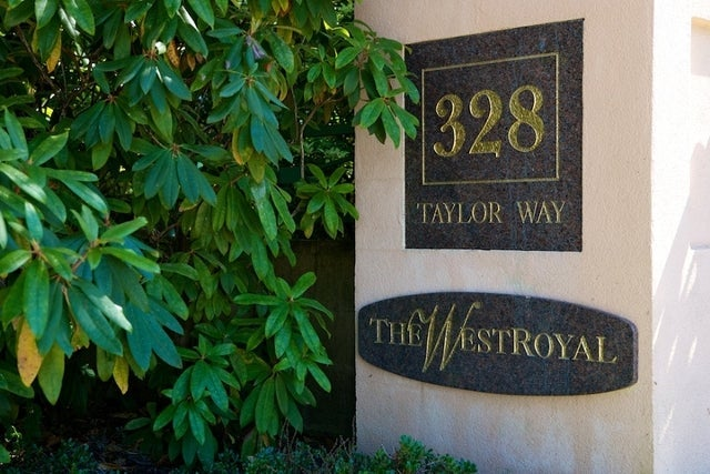 West Royal   --   328 TAYLOR WY - West Vancouver/Park Royal #14