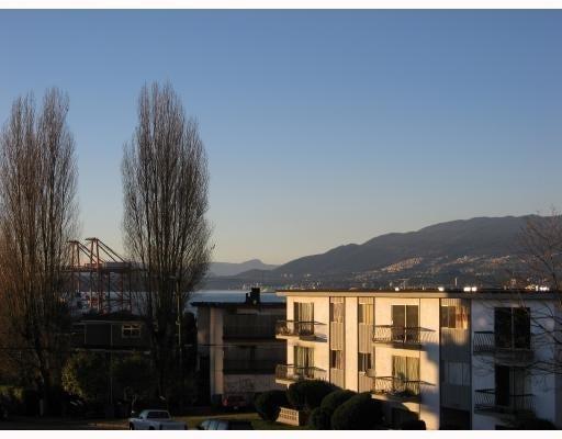 Eton Place   --   2224 ETON ST - Vancouver East/Hastings #5