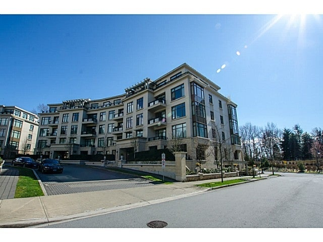 Water's Edge   --   568 WATERS EDGE CR - West Vancouver/Park Royal #1