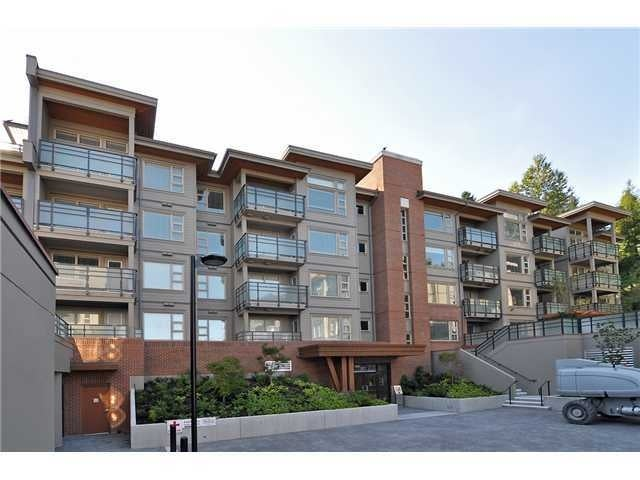 District Crossing   --   1679 LLOYD AV - North Vancouver/Pemberton Heights #1