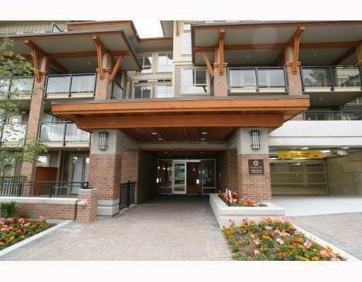 Touchstone   --   1633 MACKAY AV - North Vancouver/Norgate #1