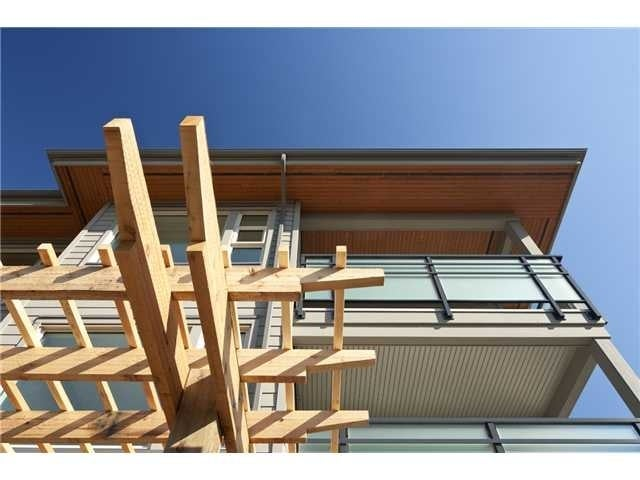 District Crossing   --   1673 LLOYD AV - North Vancouver/Pemberton Heights #1