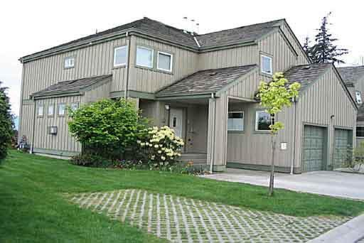 SHERWOOD GROVE TOWNHOUSES - 735 Park Road, Gibsons, BC   --   735 Park Road - Sunshine Coast/Gibsons & Area #1