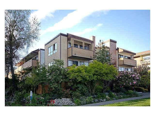 Lions Gate Manor   --   206 15th ST E - North Vancouver/Central Lonsdale #1