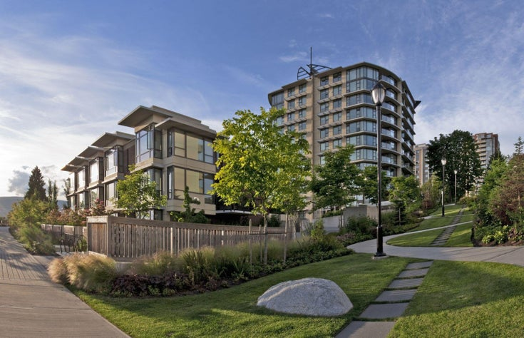 Mira on the Park   --   683 VICTORIA PK - North Vancouver/Lower Lonsdale #1