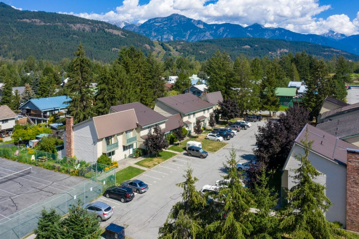 Mountainview Manor   --   1470 LAUREL ST - Pemberton/Pemberton #1