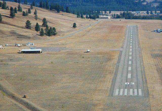 Airport   --   Airport - British Columbia/princeton_bc #1