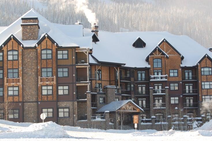 Mountaineer Lodge   --   1545 KICKING HORSE TRAIL  - British Columbia/Golden #1