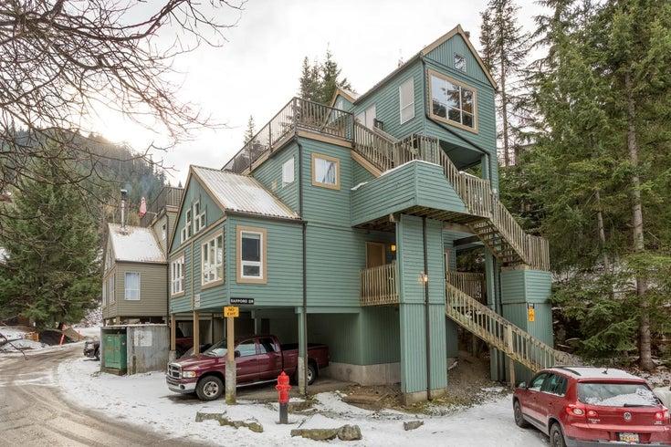 Gondola Village   --   2036 INNSBRUCK DR - Whistler/Whistler Creek #1