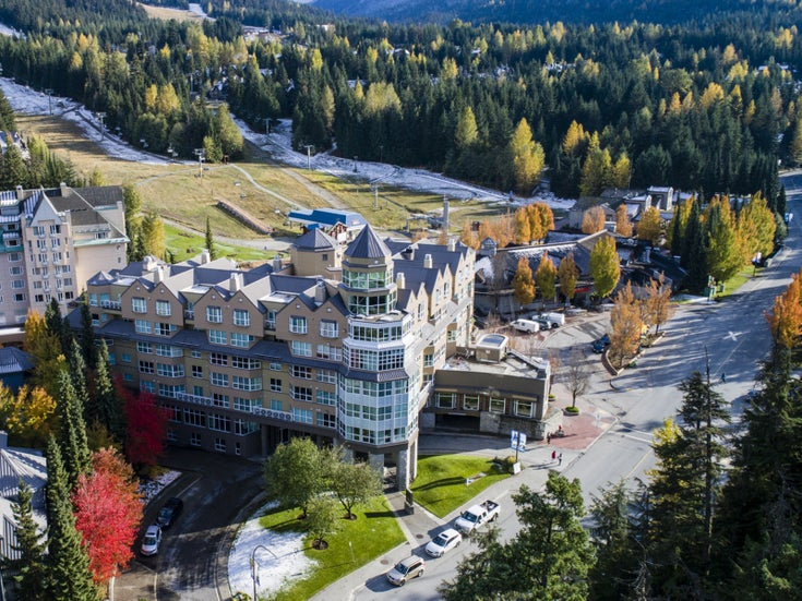 Le Chamois   --   4557 BLACKCOMB WY - Whistler/Benchlands #1