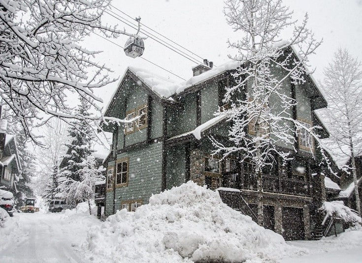 Snowy Creek   --   4501 Blackcomb Way - Whistler/Benchlands #1