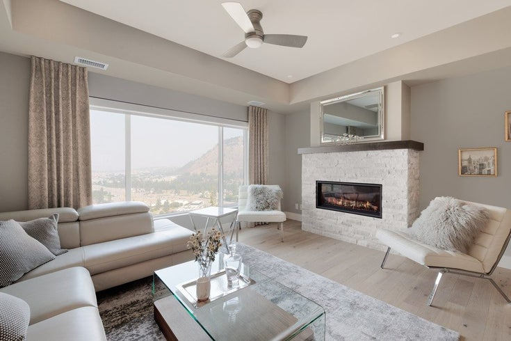 Camber Heights - Living Room
