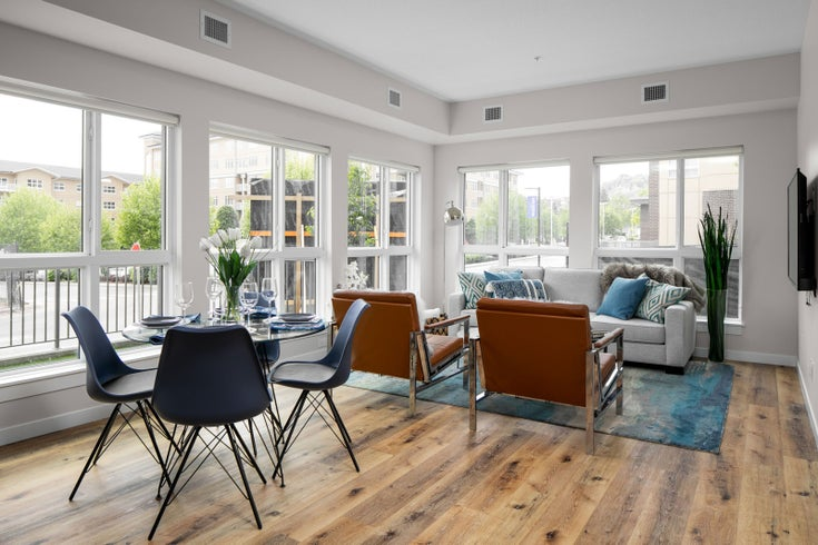 Glenmore Central Living / Dining Room
