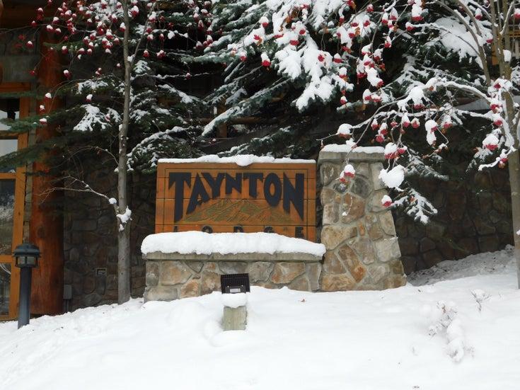 Taynton Lodge   --   2090 SUMMIT Drive - British Columbia/Panorama #1