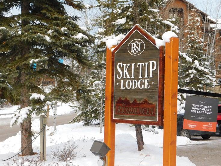 Ski Tip   --   2050 SUMMIT DRIVE  - British Columbia/Panorama #1