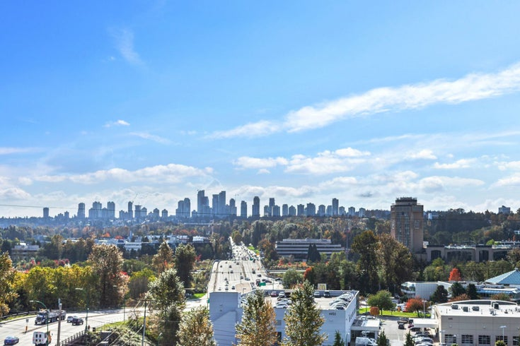 Bordeaux   --   4482 Juneau Street, Burnaby, BC - Burnaby North/Brentwood Park #1