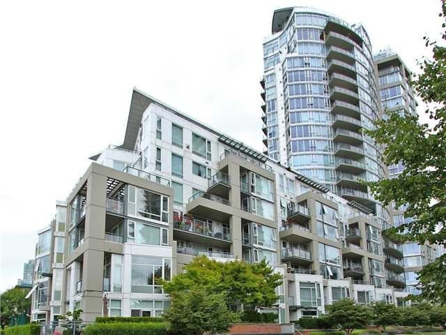 Columbus   --   1383 MARINASIDE CR - Vancouver West/Yaletown #2