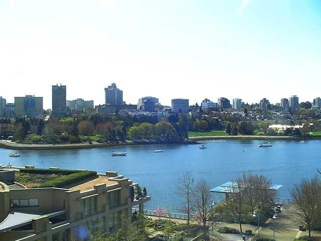 Columbus   --   1383 MARINASIDE CR - Vancouver West/Yaletown #5