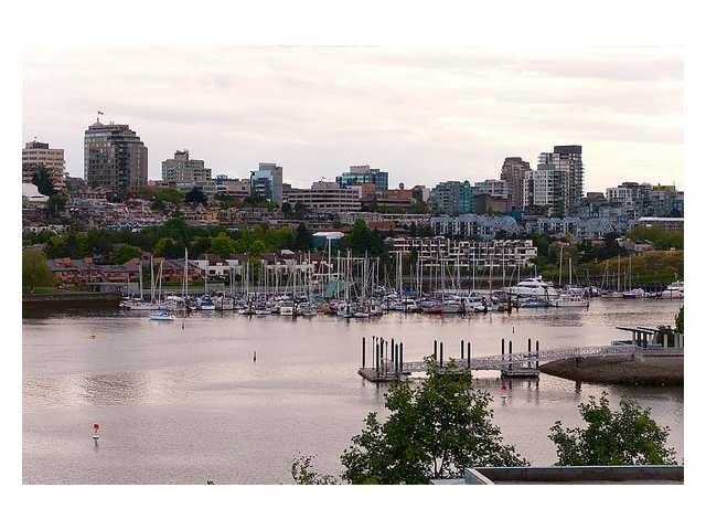 Columbus   --   1383 MARINASIDE CR - Vancouver West/Yaletown #6