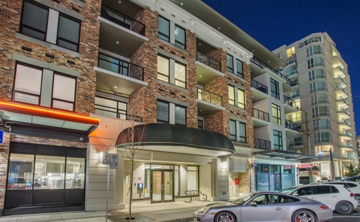 Wallace & McDowell    --   105 W 2ND ST - North Vancouver/Lower Lonsdale #1