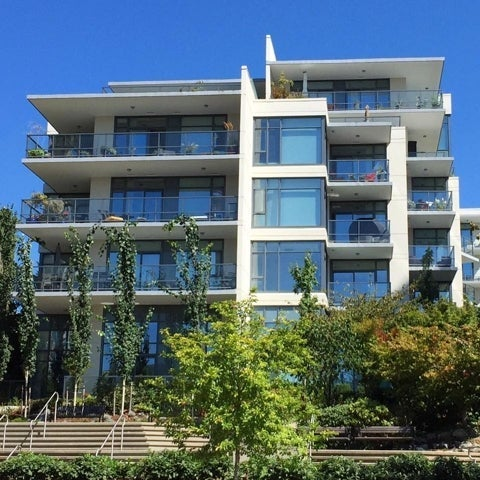 Capstone   --   135 2ND ST - North Vancouver/Lower Lonsdale #1