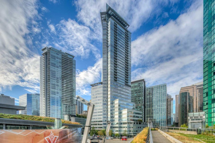 Shaw Tower   --   1077 W CORDOVA ST - /Coal Harbour #1