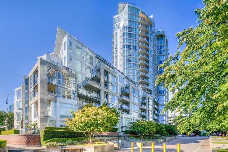 Columbus   --   1383 MARINASIDE CR - Vancouver West/Yaletown #1