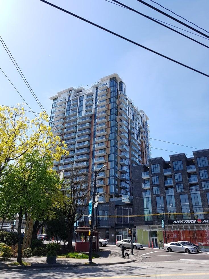 Independant   --   285 E 10TH AV - Vancouver East/Mount Pleasant VE #1