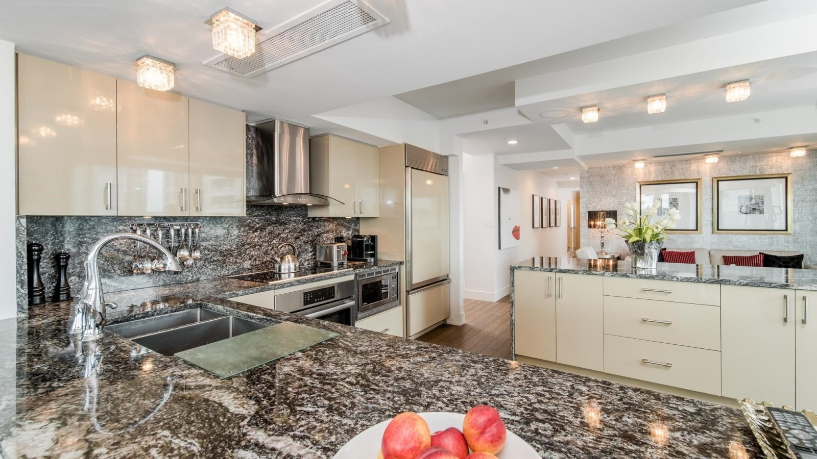1702 1501 HOWE STREET - Yaletown Apartment/Condo for sale, 3 Bedrooms (R2621762) #10