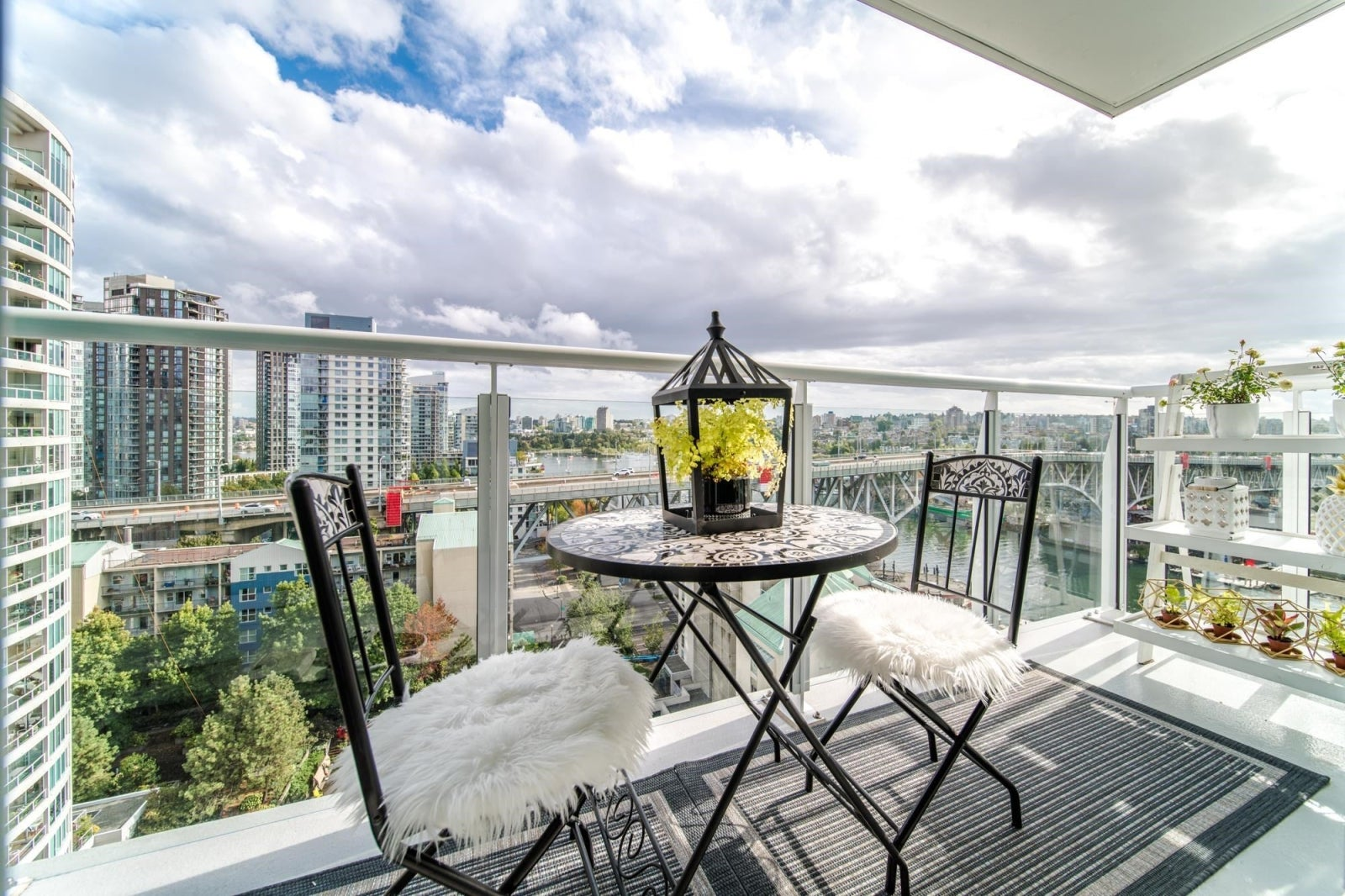 1702 1501 HOWE STREET - Yaletown Apartment/Condo for sale, 3 Bedrooms (R2621762) #7