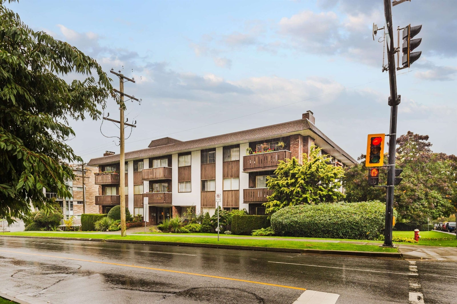 306 1345 CHESTERFIELD AVENUE - Central Lonsdale Apartment/Condo for sale, 1 Bedroom (R2622121) #1