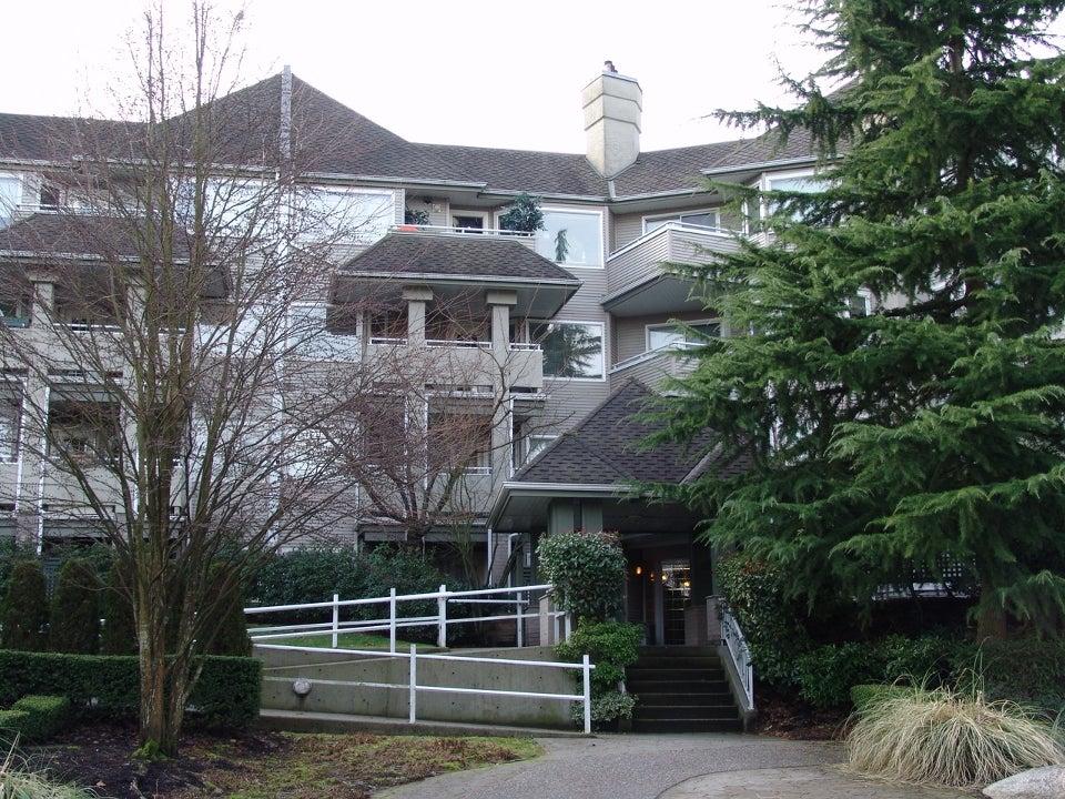 # 211 3738 Norfolk St - Central BN Apartment/Condo for sale, 1 Bedroom (V867887) #1