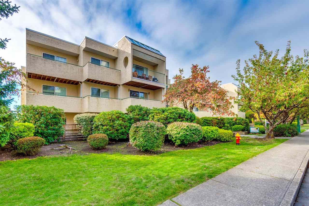 208 1050 HOWIE AVENUE - Central Coquitlam Apartment/Condo for sale, 1 Bedroom (R2405004) #1