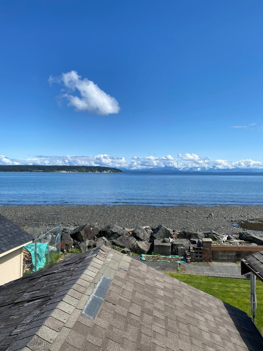 2471 S Island Hwy - Fully Furnished - CR Willow Point Single Family Detached for sale, 1 Bedroom  #1