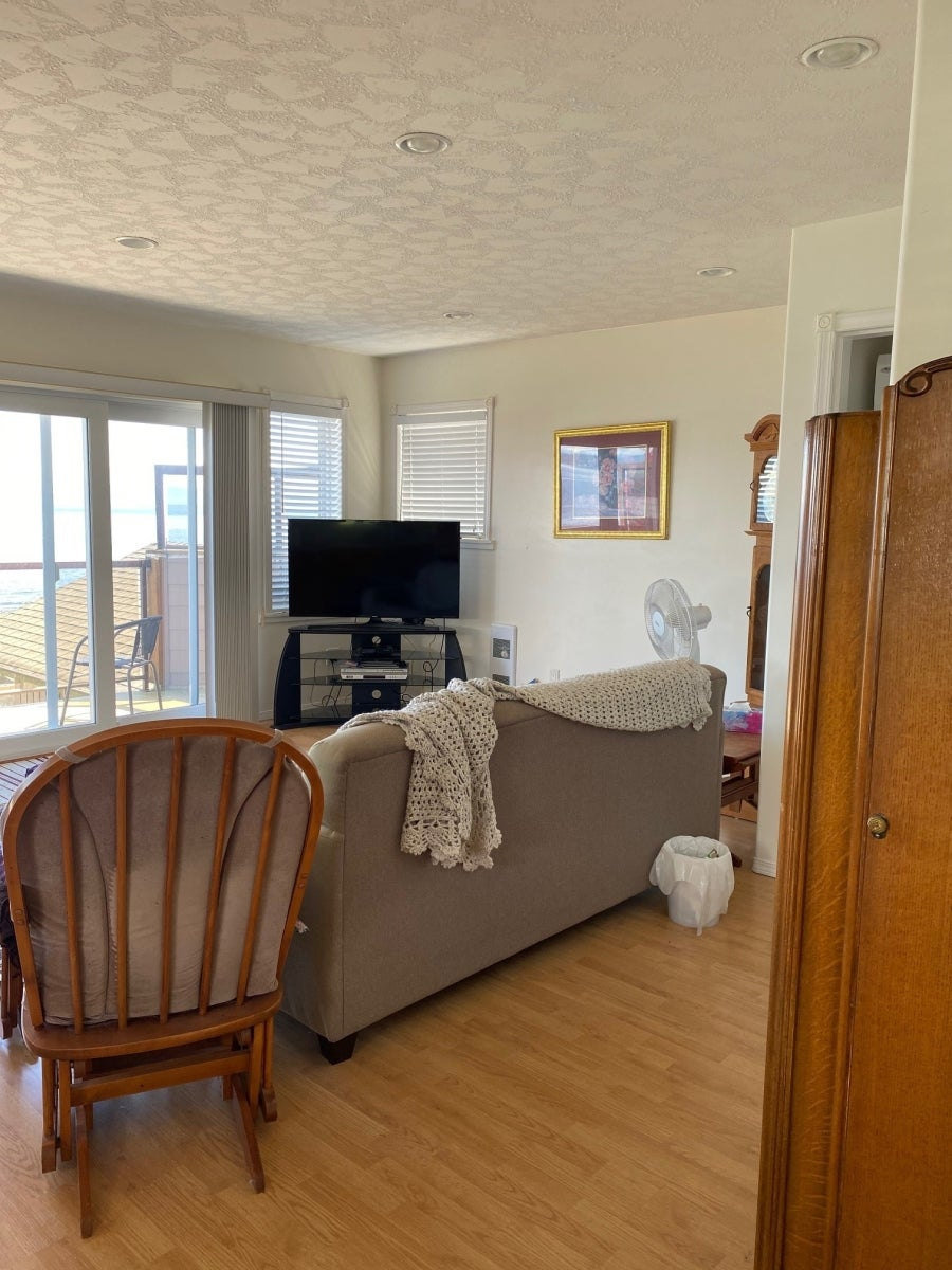 2471 S Island Hwy - Fully Furnished - CR Willow Point Single Family Detached for sale, 1 Bedroom  #6