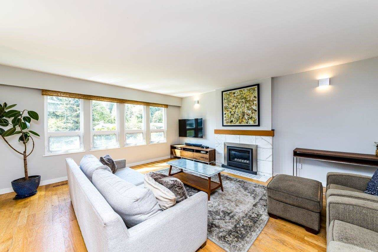 3820 LAWRENCE PLACE - Lynn Valley House/Single Family for sale, 4 Bedrooms (R2592943) #3