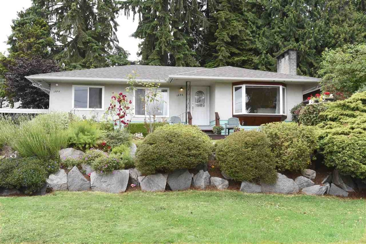 1374 DORAN ROAD - Lynn Valley House/Single Family for sale, 3 Bedrooms (R2082373) #1