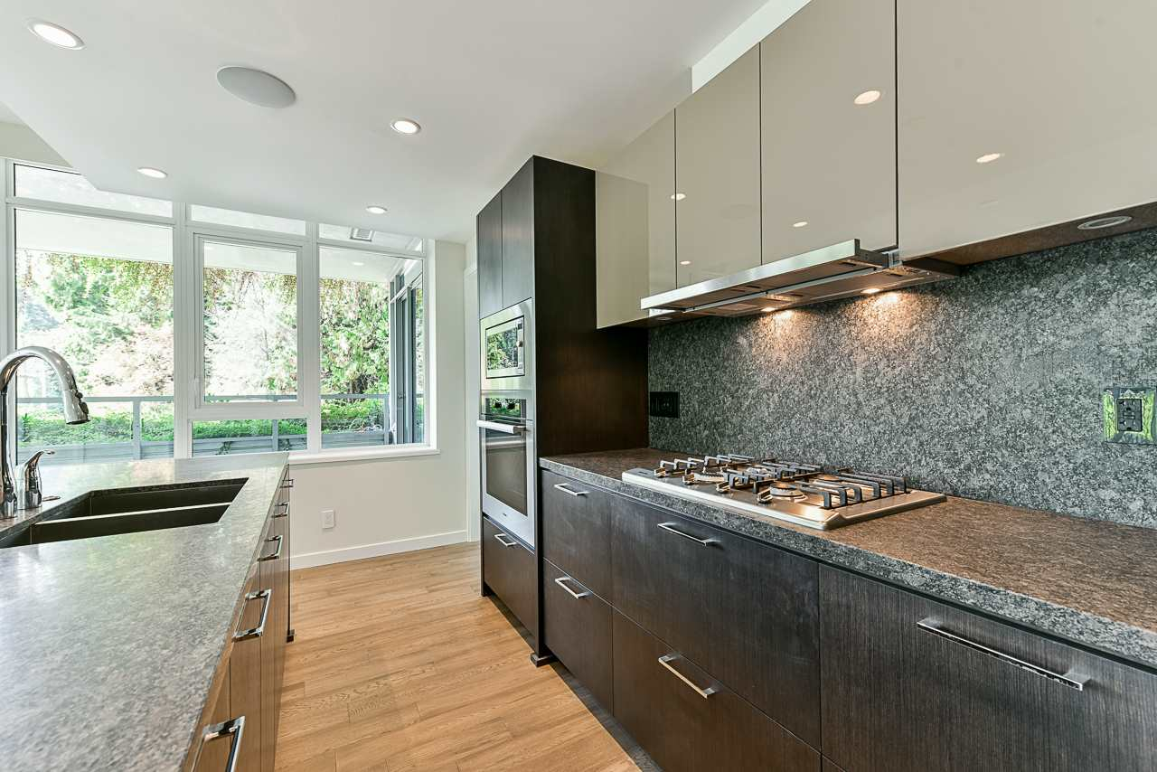203 788 ARTHUR ERICKSON PLACE - Park Royal Apartment/Condo for sale, 2 Bedrooms (R2556551) #11
