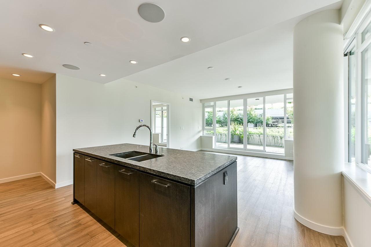 203 788 ARTHUR ERICKSON PLACE - Park Royal Apartment/Condo for sale, 2 Bedrooms (R2556551) #2