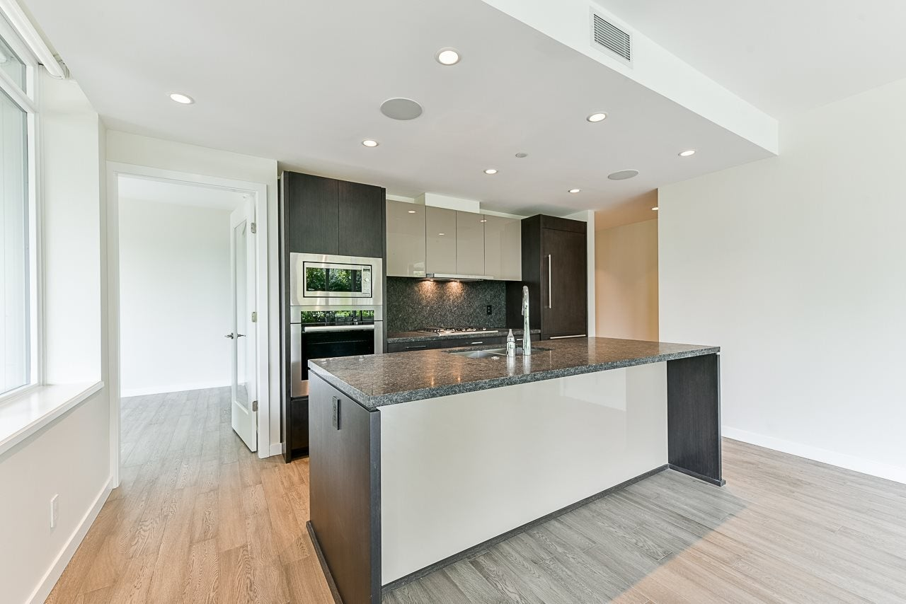 203 788 ARTHUR ERICKSON PLACE - Park Royal Apartment/Condo for sale, 2 Bedrooms (R2556551) #6