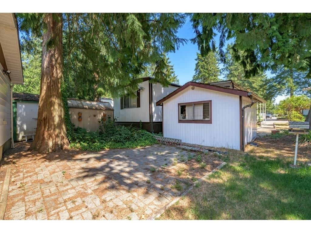 24 2306 198 STREET - Brookswood Langley Manufactured for sale, 2 Bedrooms (R2608861) #31