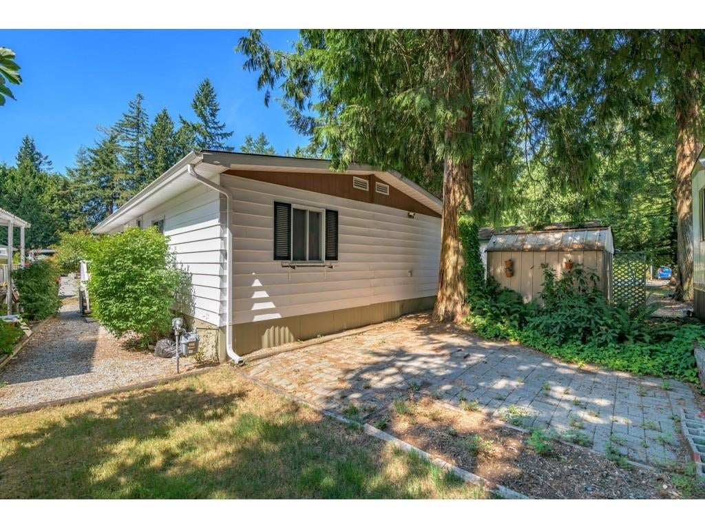 24 2306 198 STREET - Brookswood Langley Manufactured for sale, 2 Bedrooms (R2608861) #32