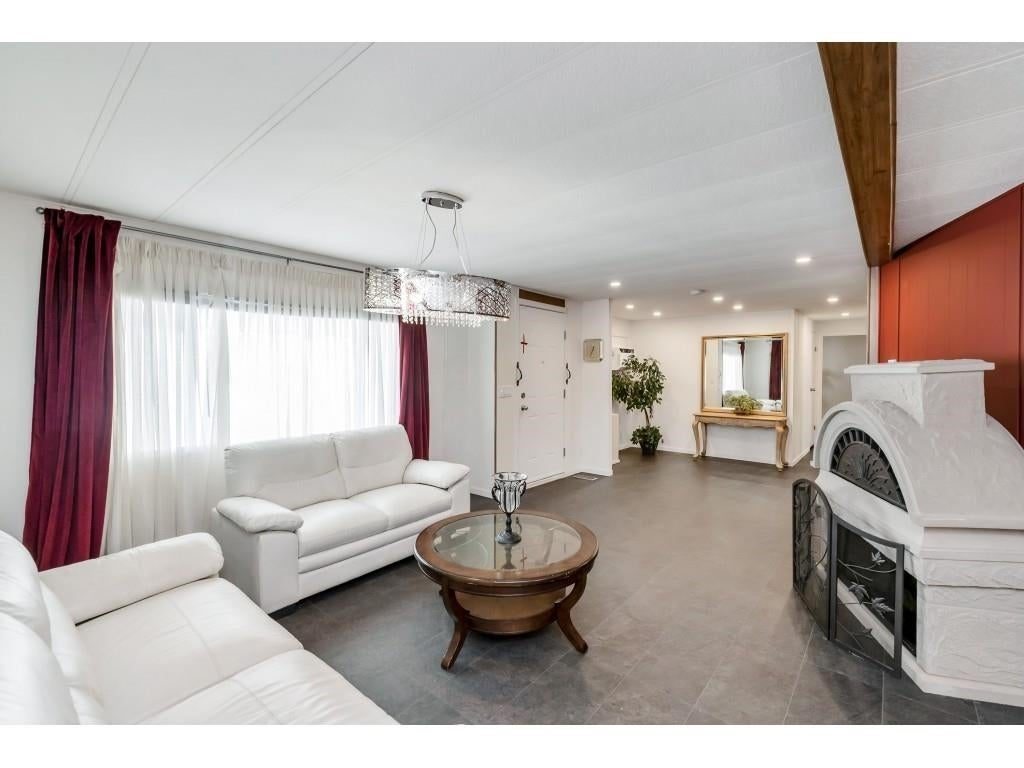 24 2306 198 STREET - Brookswood Langley Manufactured for sale, 2 Bedrooms (R2608861) #4