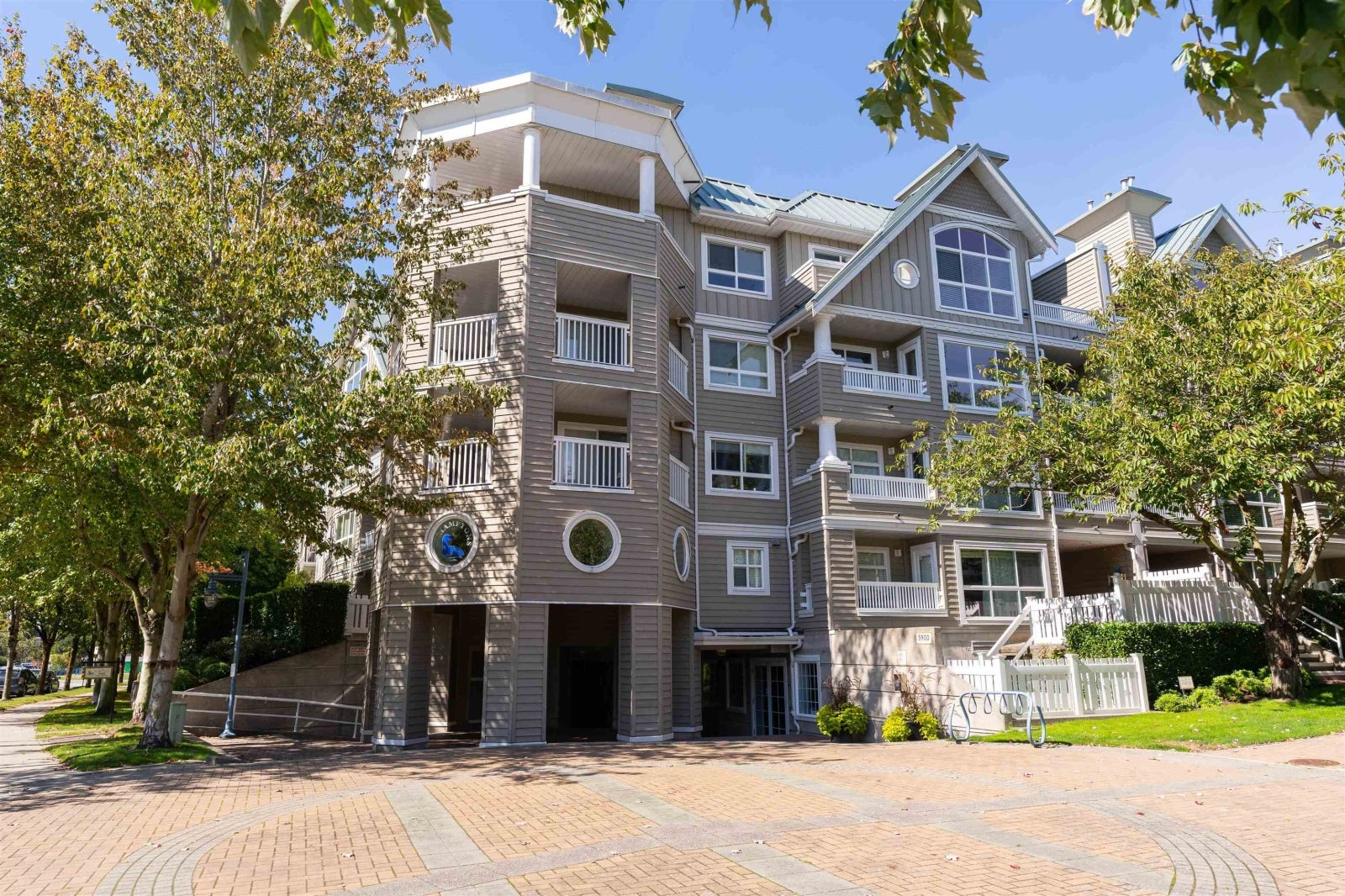 411-5900 Dover Crescent Richmond BC V7C 5R4 - Riverdale RI Apartment/Condo for sale, 2 Bedrooms (R2619595) #1