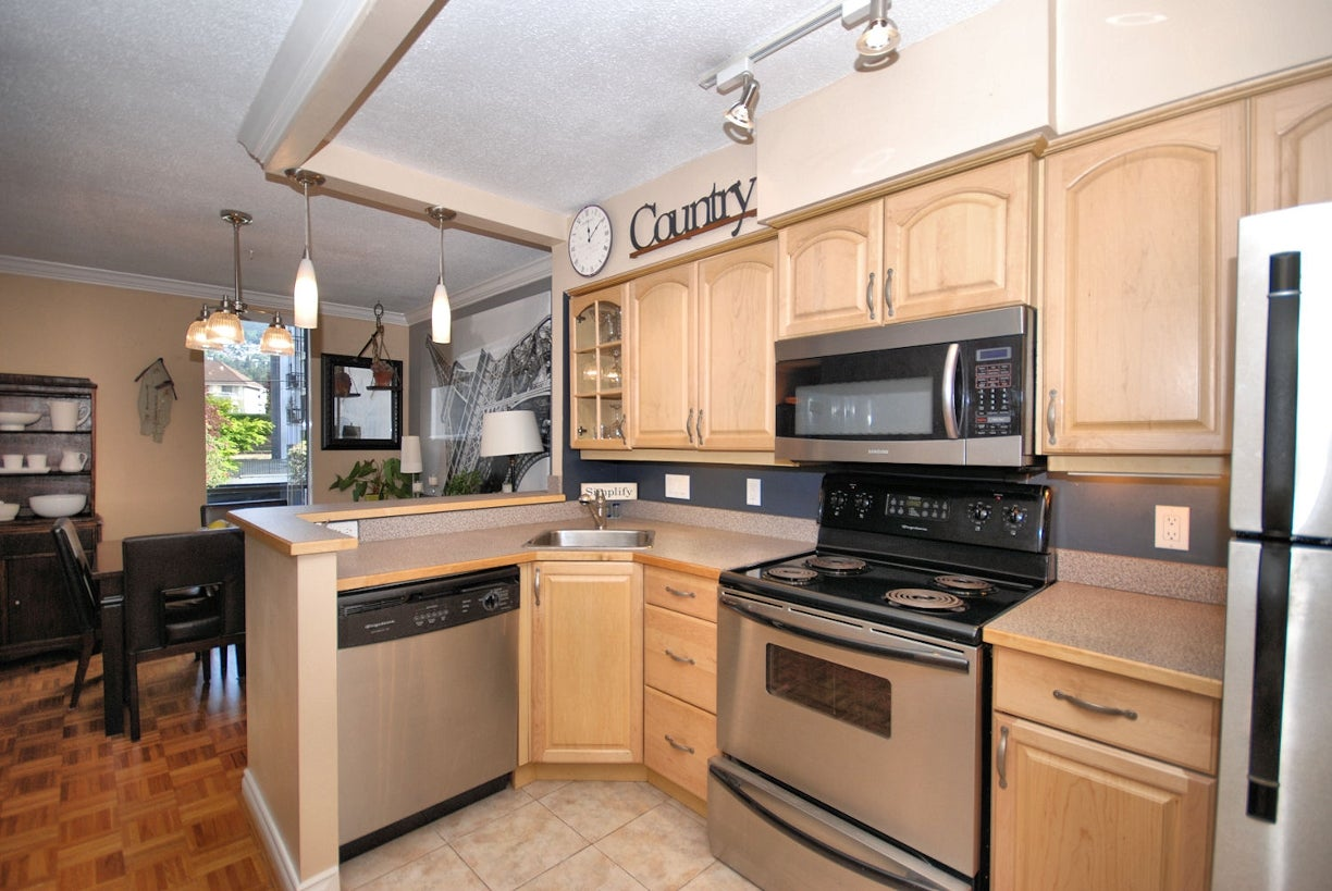 202 - 2150 Bellevue Ave, West Vancouver - Dundarave Apartment/Condo for sale, 2 Bedrooms (R2065778) #3